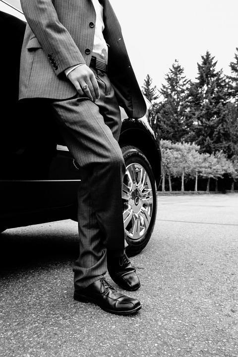mand i jakkesæt