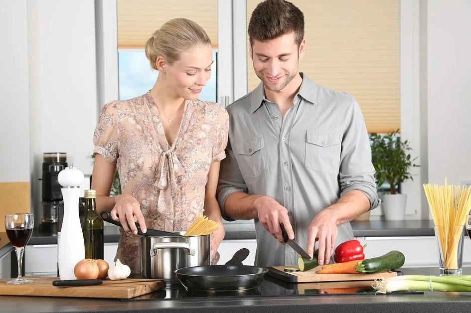 Par laver aftensmad